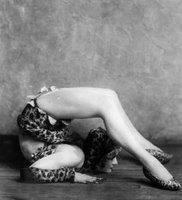 1926_burlesque_drena_beach